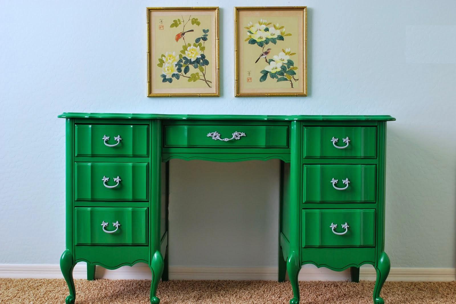Как перекрасить мебель самому? Простой способ