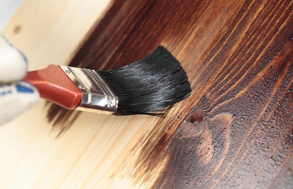 Советы по покраске древесины